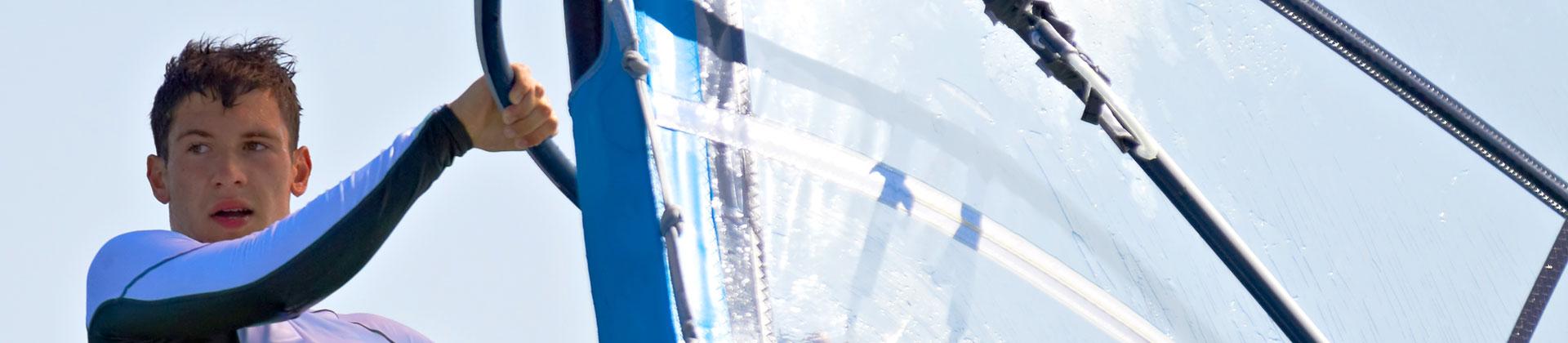 https://www.goodmorningtenerife.com/wp-content/uploads/2014/08/01_slide_windsurfing_GM_Tenerife.jpg