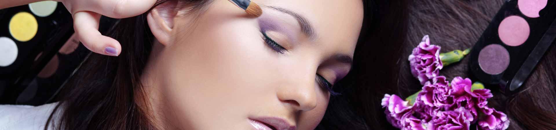 https://www.goodmorningtenerife.com/wp-content/uploads/2015/07/01_slide_perfumeria-lis-1920x450-1.jpg
