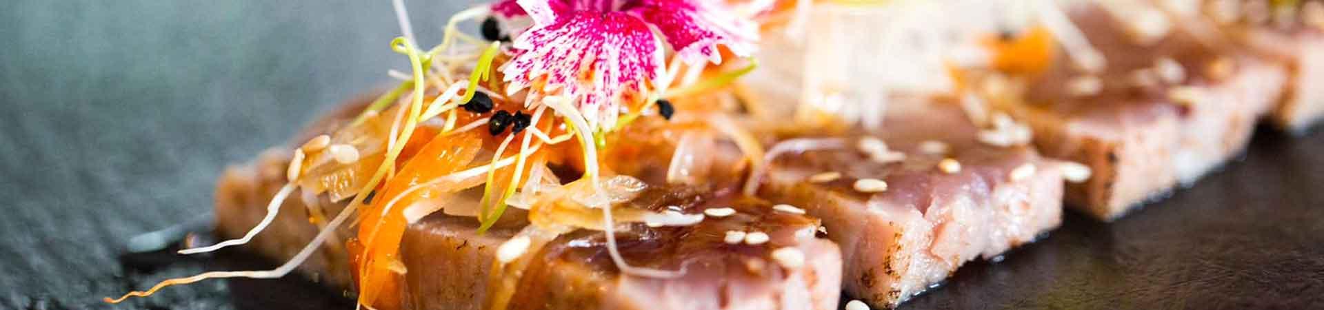 https://www.goodmorningtenerife.com/wp-content/uploads/2019/05/02_slide_deba-sushi-lounge-good-morning-tenerife-1950.jpg
